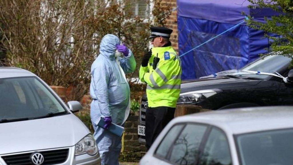 Hither Green 'burglar' stabbing: Man, 78, arrested