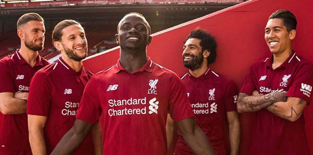 Liverpool yeni sezon formasını tanıttı
