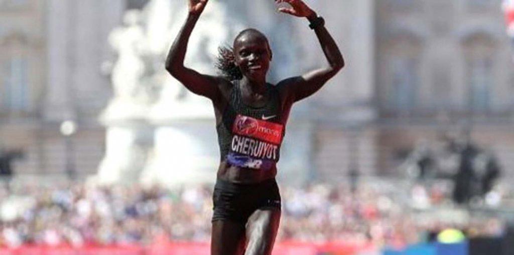Kadınlarda Londra Maratonu'nu kazanan Kenya'dan
