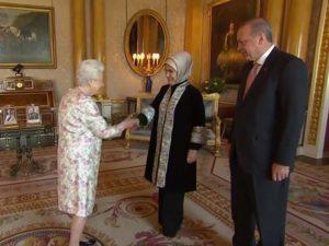Erdoğan, Kraliçe ile Buckingham Sarayı'nda buluştu