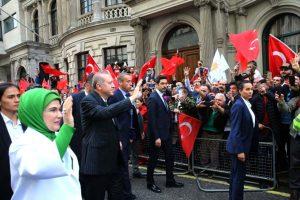 Cumhurbaşkanı Erdoğan'a Londra'da coşkulu karşılama!