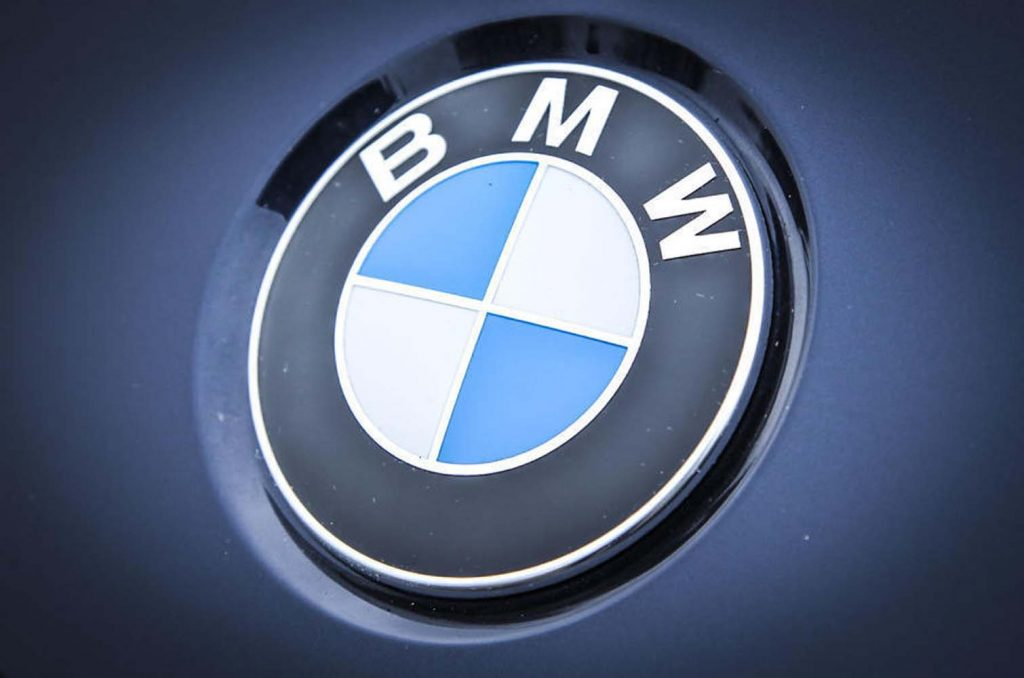 BMW recollecting 300,000 cars