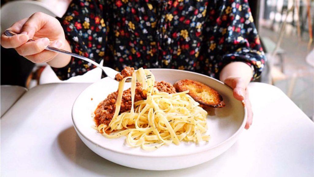 Yüksek karbohidratlı beslenme 'Menopoza Girişi Erkene Alıyor'