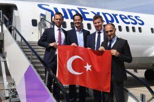 SunExpress Antalya'dan Londra'ya uçuyor