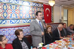 Turkish Cypriots meet at iftar