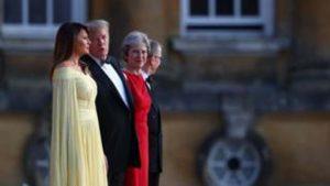 Trump'ın İngiltere ziyareti gösteriler eşliğinde başladı
