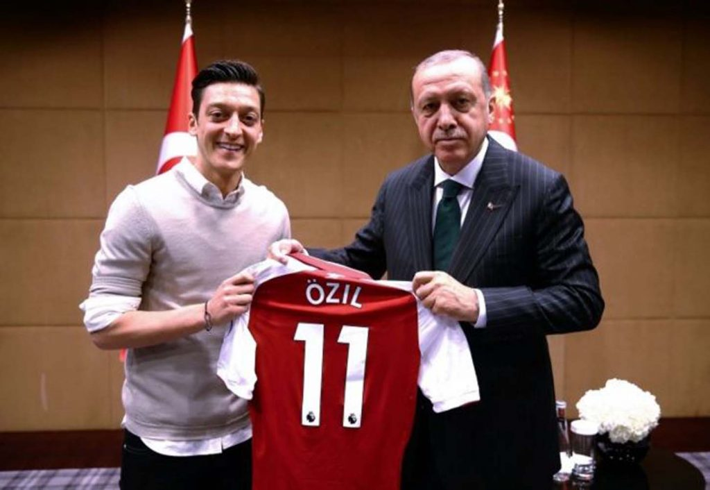Financial Times'tan Özil yorumu