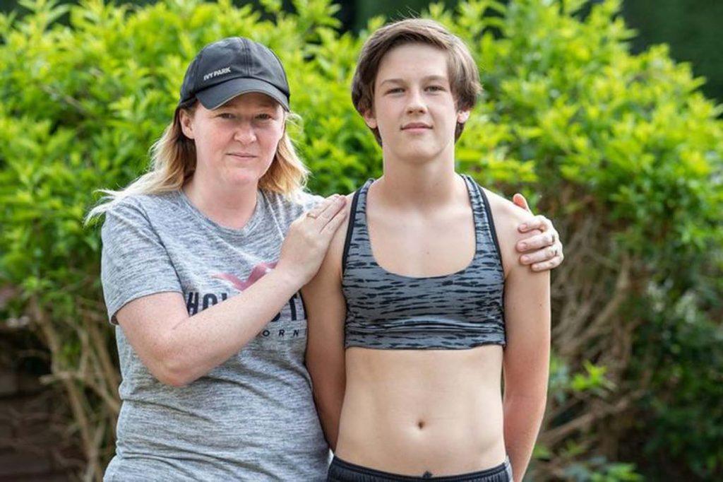 15 yaşındaki erkek öğrenci okula sütyenle gitti