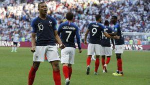 Fransa, Messili Arjantin'i eledi