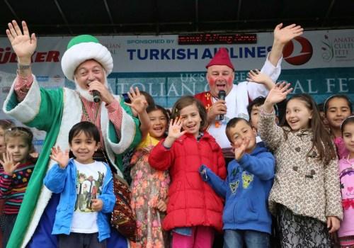 12 yıldır Anadolu kültürünü Londra'da tanıtıyorlar