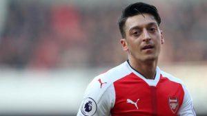 Kick it out'tan Mesut Özil'e destek