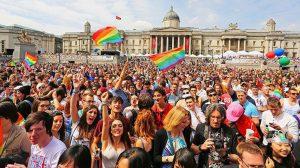 Londra'da en renkli onur yürüyüşü gerçekleşti