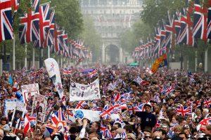 Royal wedding and weather boosts UK economy