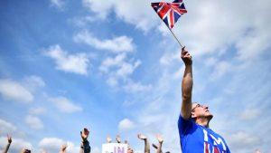 İngilizlerin yarısı 'Yeniden Oylayalım' diyor