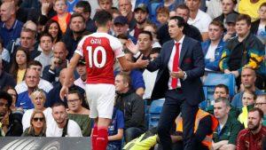 Emery: Özil'le tartıştığımız için kadroya alınmadığı doğru değil