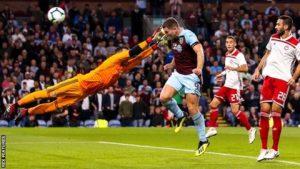 Burnley, Yunan takımına elendi
