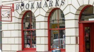 Aşırı sağcılar, sosyalist kitapçıya saldırdılar