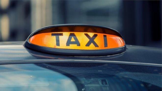Porno videosu izleyen taksi şoförünün lisansı iptal edildi