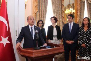 Londra'da Büyükelçilik 30 Ağustos'u kutladı