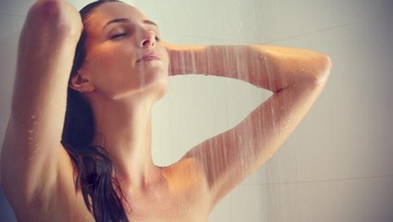 Kadınları duşta kaydedip videoları porno sitelerinde paylaştı