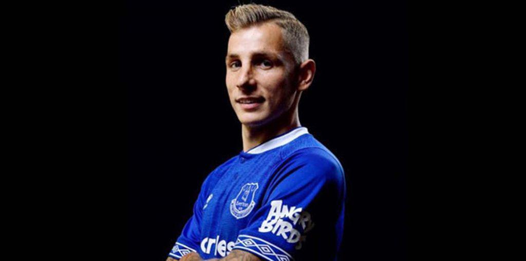 Everton, Digne'yi transfer etti