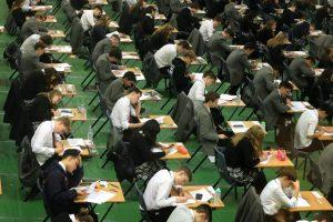 GCSE sınav sonuçları açıklandı