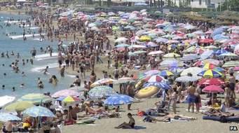 İngiliz turist şikayet etti: Çok İspanyol vardı