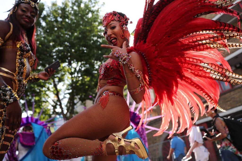 Londra'nın en büyük sokak partisi olan Notting Hill Karnavalı bu hafta gerçekleştirilecek
