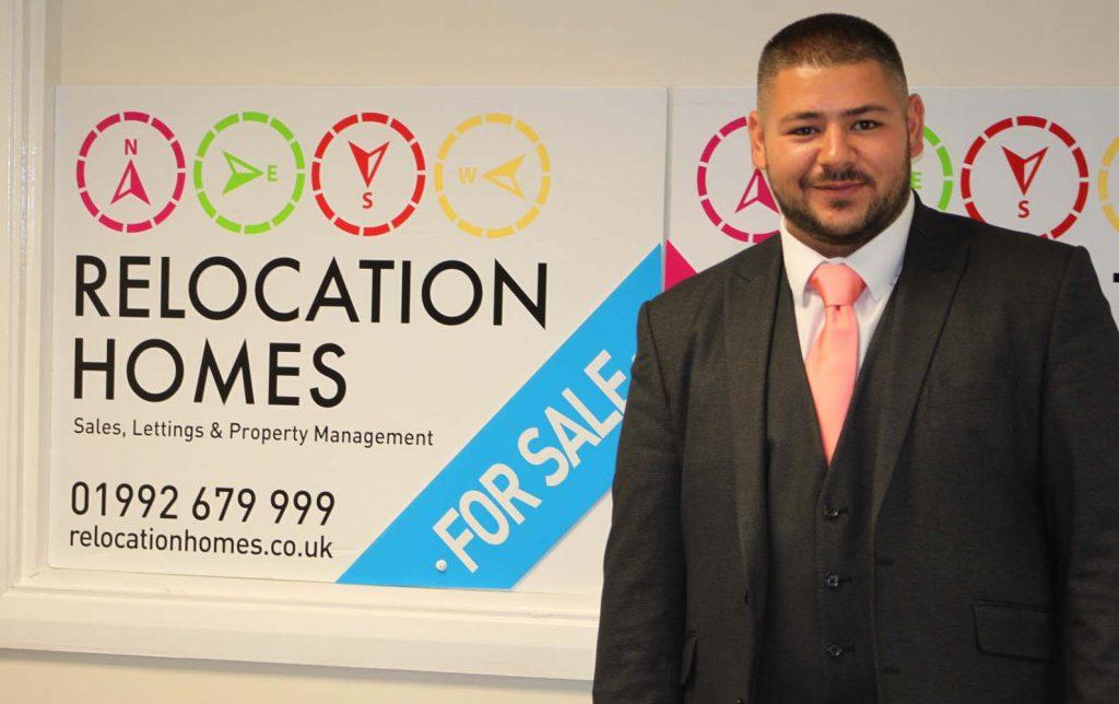Kuzey Londra'nın tek Kıbrıslı Türk emlak acentesi