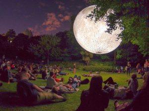 İngiliz sanatçıdan Ay Müzesi