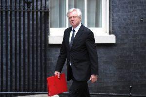 Eski bakan Davis: İngiltere, Brexit planlarını değiştirecek