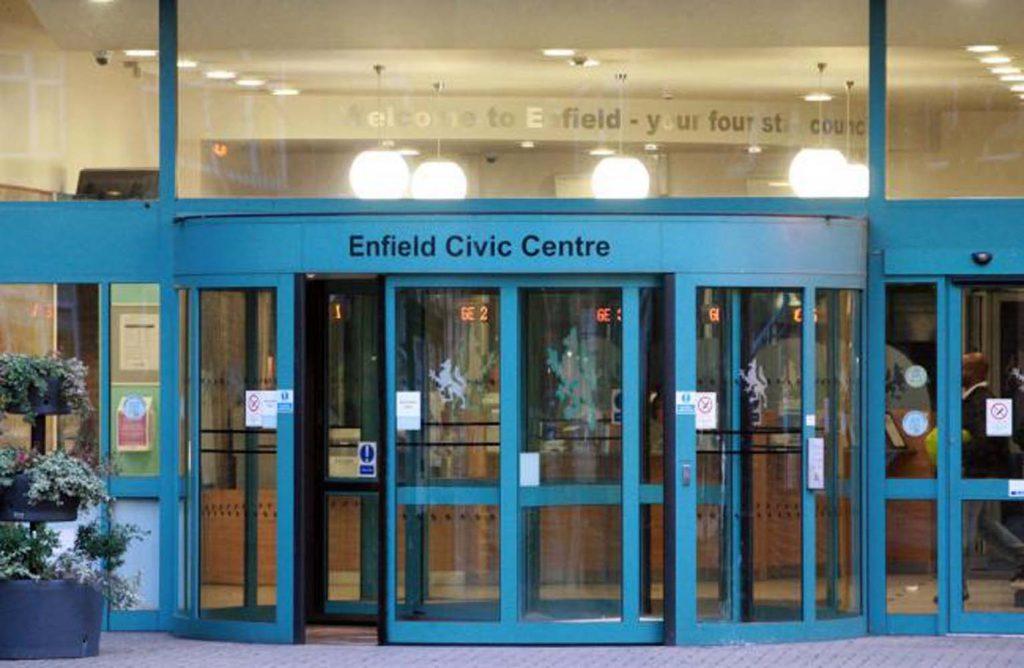 Enfield Belediyesi'nin 'suç azaltma programı' başarıyla sonuçlandı