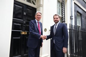 Berat Albayrak meets Finance Minister Philip Hammond