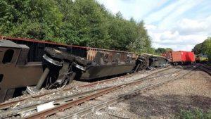 Coleshill yakınındaki tren kazası nedeniyle hatlarda aksamalar yaşandı