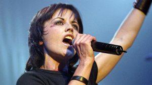 Londra'da ölen ünlü rock grubunun solistinin ölüm nedeni belli oldu