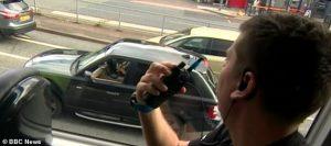 İngiltere'de telefon kullanan sürücülere 'polis sürprizi'
