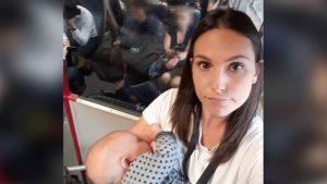 İngiltere'de trende kimse yer vermeyince bebeğini ayakta emzirdi