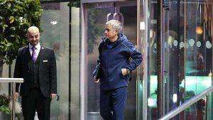 Jose Mourinho otele dünya para ödüyor!