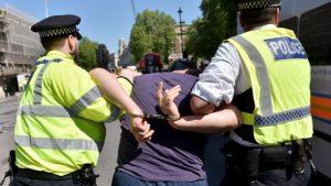 Londra'da polis şiddeti yüzde 79 arttı!