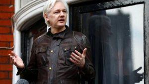 Assange: Ekvador beni ABD'ye teslim etmek istiyor