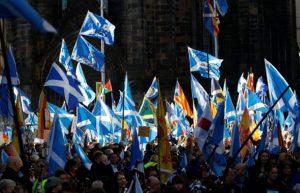 İskoçya bağımsızlık için harekete geçti