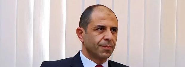 Özersay: Kıbrıslı Rumlar yetkiyi paylaşmak istemiyor