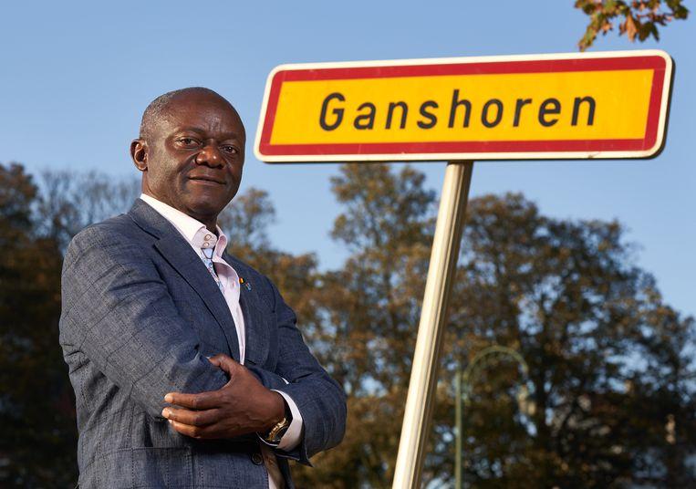 Kompany'nin babası Belçika'nın ilk siyah belediye başkanı oldu
