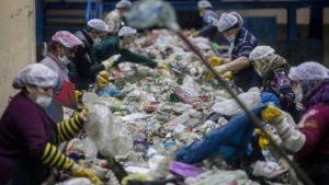 'Türkiye İngiltere'den plastik çöp ithalatını artırıyor, çevre uzmanları endişeli'