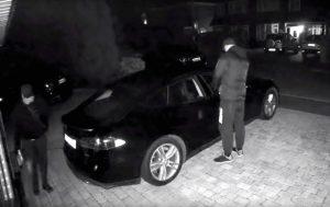 Hırsızlar Tesla Model S'i de çaldı