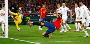 İngiltere, İspanya'yı 3-2 mağlup etti
