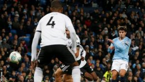 Manchester City tur atladı