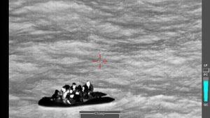 Fransa'dan İngiltere'ye geçmek isteyen 8 İranlı göçmen kurtarıldı