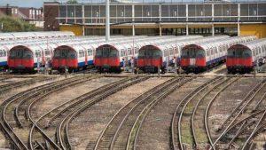 Londra metro trenlerini Siemens yenileyecek