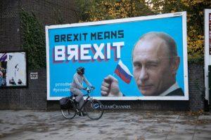 Aktivistlerden 'Putin'li Brexit eleştirisi